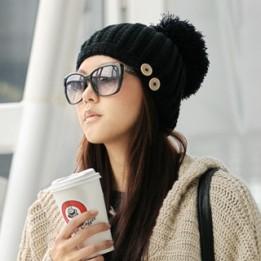 pompom-beanie-hat