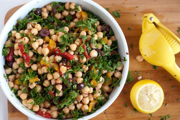 chickpea-salad-16-550x367