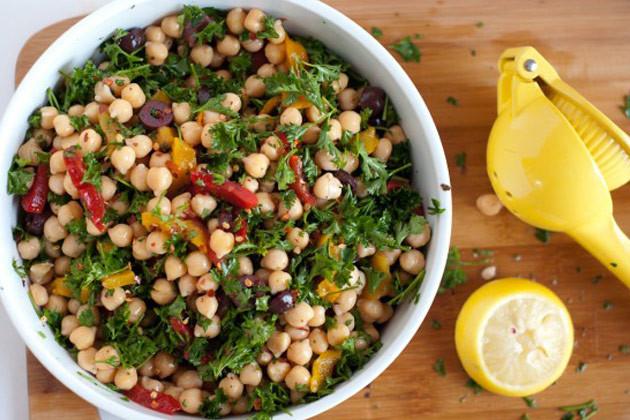 chickpea-salad-16-550x3671