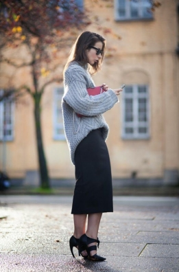 slouchy-gray-sweater-black-midi
